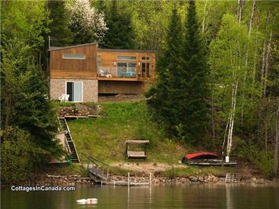 Chalet Rose-et-Lys - Exceptional modern cottage in Bouchette, Quebec- reserve now for fall!