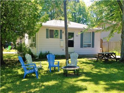 Cox's Corner Cottages-Perfectly Located And Only $850 /Weekly This Summer!