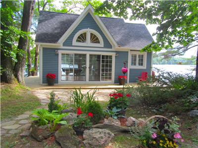 Crystal Lake Cottage on the Point, Kawarthas/Haliburton/Bobcaygeon/Minden/Fenelon Falls