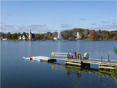 Famous Harbor View! Loon Lodge on Mahone Bay Harbor - Private Wharf, Boats, Bikes & Water Toys!