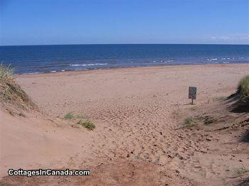 Cavendish PEI Area - 1, 2 & 3 Bedroom Cottages, Near Beach & CBMF, Heated Pool, A/C WIFI