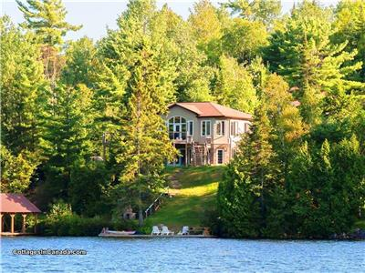 AUG 19th- 26th AVAILABILITY! EXECUTIVE WATERFRONT COTTAGE OASIS