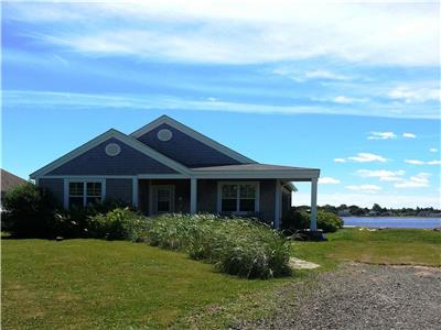 Beach House Comfort  Close to Parlee Beach Provincial Park