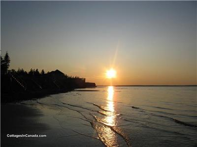 Large 5 Bedroom Cottage - Cap Brule -  Shediac