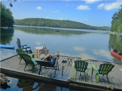 Executive Retreat/Luxurious Lakeside Vacation Home- Denholm/Vals Des Monts/Gatineau Hills