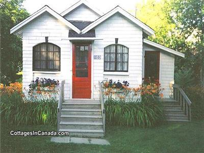 Really Cute Cottage by Parlee Beach, Shediac