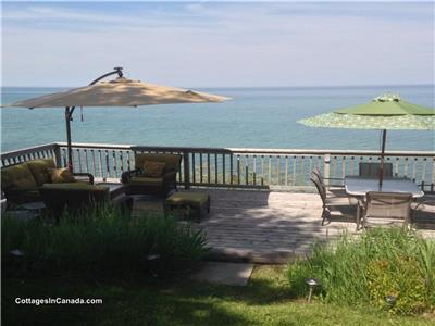 *LUXURY WATERFRONT COTTAGE GRAND BEND SEPTEMBER 4th ONWARD DATES AVAILABLE