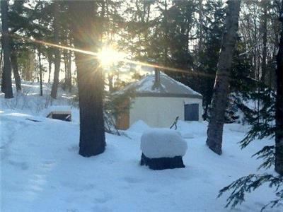 Enjoy a Romantic Couples Getaway on 11 acres of Private Waterfront! Includes Algn Passes & Snowshoes