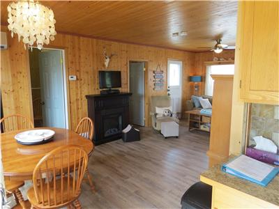 Blue Spruce Retreat~Turkey Point~Year Round Vacation Rental