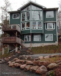 Muskoka Executive Cottage in Lake of Bays - ONLY LAST WEEK OF SUMMER AVAILABLE NOW - HURRY BOOK!