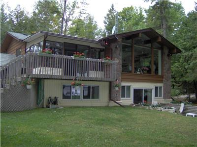 Balsam Lake-West Bay Cottage-6 + Bedrooms-Sleeps 16-20, Large families or groups-Pet Friendly