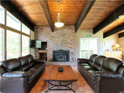Lopes Chalets, Year round chalet rentals at Blue Mountains (Collingwood), Ontario