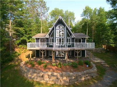 Chandos Lake Luxury!
