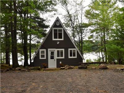 Pristine Cottage Rental - REDUCED RATES FOR SPRING - DON'T MISS OUT -- BOOK SOON