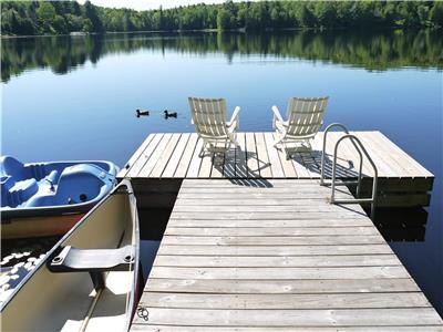 Sept. available! Pet Friendly, 3 bedroom, Private Lakehouse with woodstove. Mont-Tremblant