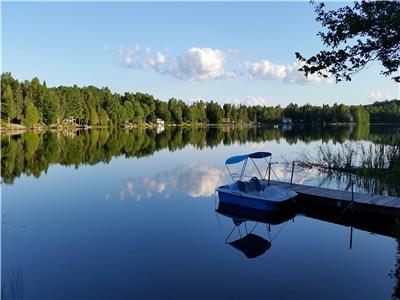 Fun Family Getaway on beautiful Lac Champeau - Availability in September & October