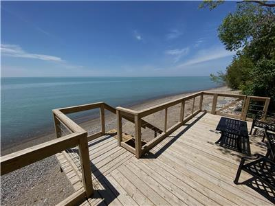 Grand Bend Cottage: Mystic Bay Beach House- Lakefront, Incredible views!
