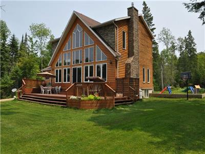 Shadow Lake- Wards Landing -  Executive Cottage with flat yard and sand beach