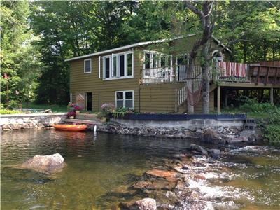 Stonewall Cottage - Executive Waterfront Cottage on Shadow Lake