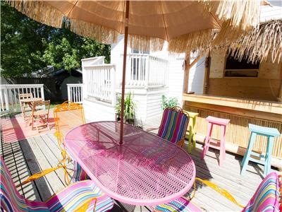 Summerside -May Longweekend Available -Tiki bar & outside TV -lots of sports channels