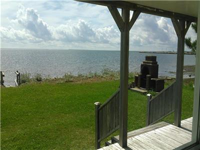 WATERFRONT 3 BEDROOM COTTAGE, Neguac, NB