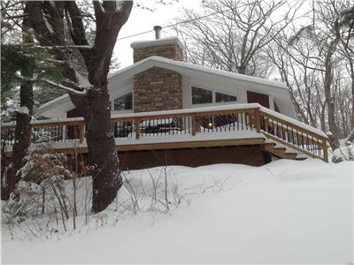 Le Cherry Tree Cottage, 30 min from Ottawa---McGregor Lake---Val des Monts