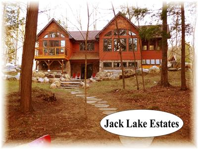 Jack Lake Kawarthas 5 bedoom 4 season luxury - level lot - premium lake -easy access to Apsley