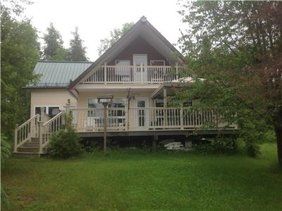 Cottage for sale on Mattagami Lake Gogama, Ontario , 3 bedrooms, 1.5 bathrooms, 1400 square feet