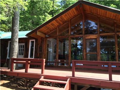 Big Hawk Lake, Haliburton Highlands - Bayloft is an island cottage. Weekly rent near Minden, Dorset.