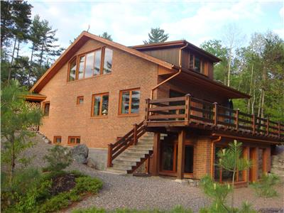 Exceptional waterfront property on Toote lake