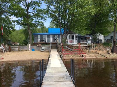 SOLD!!!!!!Gorgeous open concept 4 Season Home/Cottage Overlooking Ottawa River... Sleeps 17