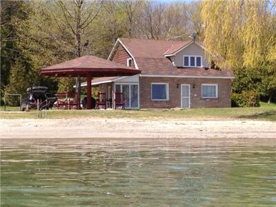 Meaford Sunrise  Waterfront cottage WEEKLY RENTAL only summer 2020