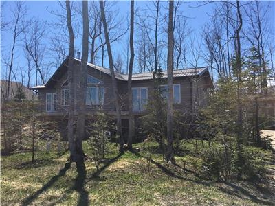 Traverse Bay Lakefront 4BR 2BA Cottage
