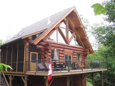 Private Waterfront Log Cottage Retreat, Bob's Lake