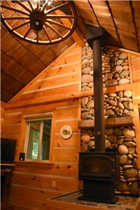 Cozy Kincardine Cottage - The Woodcarver's Studio Cabin