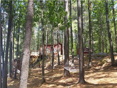Classic 3 Bdr Cottage On 1.14 Acres With 206 Feet Of Waterfront