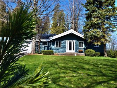Starlight Lakefront Cottage near Bayfield: Bright and Large!