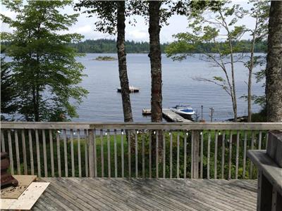 Lakefront Cottage Mount Uniacke only 30 min from Halifax
