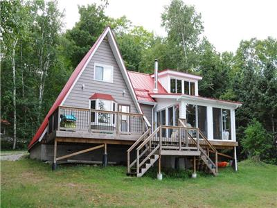 Monrock Lake - Red Roof - The Perfect cottage for your family vacation