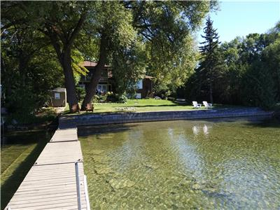 Couchiching Point Lakefront Vacation Home in Orillia