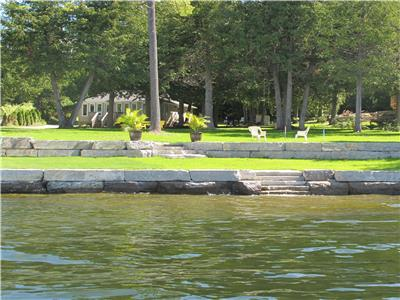 Newly Renovated Kawartha Lakes Cottage for Rent on Pigeon Lake near Buckhorn, Ontario