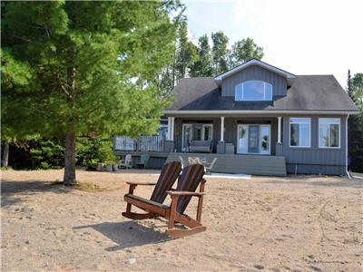 ****LAKE TEMISCAMINGUE WATER FRONT PROPERTY****