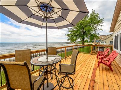 Lake Breeze Retreat on shores of Lake Erie - BOOK NOW FOR SUMMER!