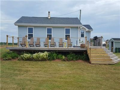 FAMILY TIDES SUMMER HOME - OCEAN FRONT, BEAUTIFUL WATERVIEW, EASY ACCESS BEACH & STUNNING SUNSETS