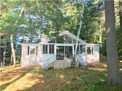 LAKE MUSKOKA WATERFRONT COTTAGE A SERENE ISLAND PARADISE Shoestring Point with Lake Views on 3-sides