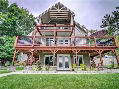 ROY CHALET - All inclusive 4-season Luxury Cottage Rental on Lake Bernard 40 min from Ottawa