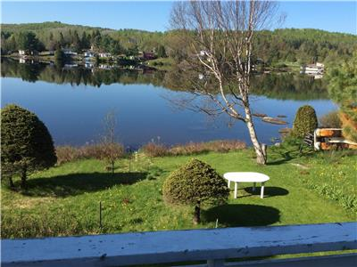 Villa Isabelle- Ideal for groups- On the lake (Lemery)- 45 Min Ottawa