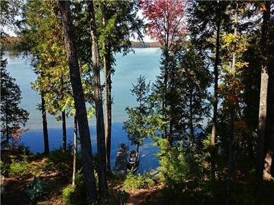 Beautiful Northern Retreat - Malcolm Lake, North Frontenac
