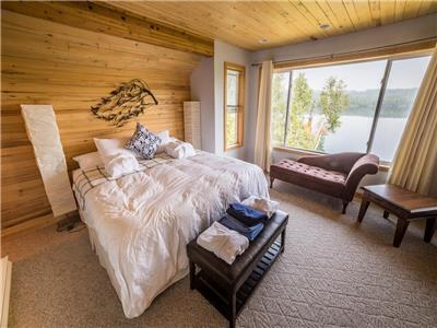 Birch Haven - A Luxury Lakefront Cottage on Horsefly Lake