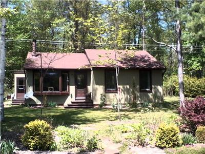 Negeek Lake Getaway - Madawaska Valley